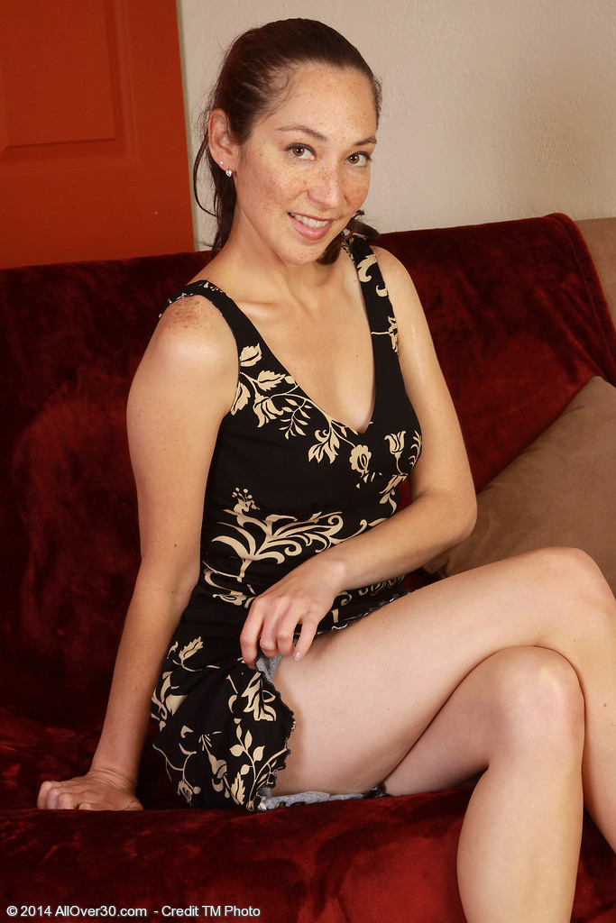 Cute and Elegant Dark Brown Fiona Filmore Exploring Her  Older Bawdy Cleft