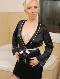 Puny Blond 48 Year Old Dorena Gets Her  Older  Hoo Ha Wet in Here