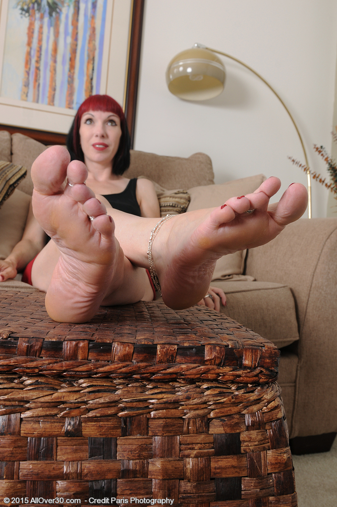 Goth Playgirl Alyce Porter Has a Little Foot Fetish Joy and Gets Nude
