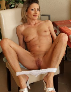 Hot bodied wife is horny after work 2